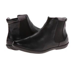 NWOT Johnston & Murphy Leather Shawna Chelsea Boot